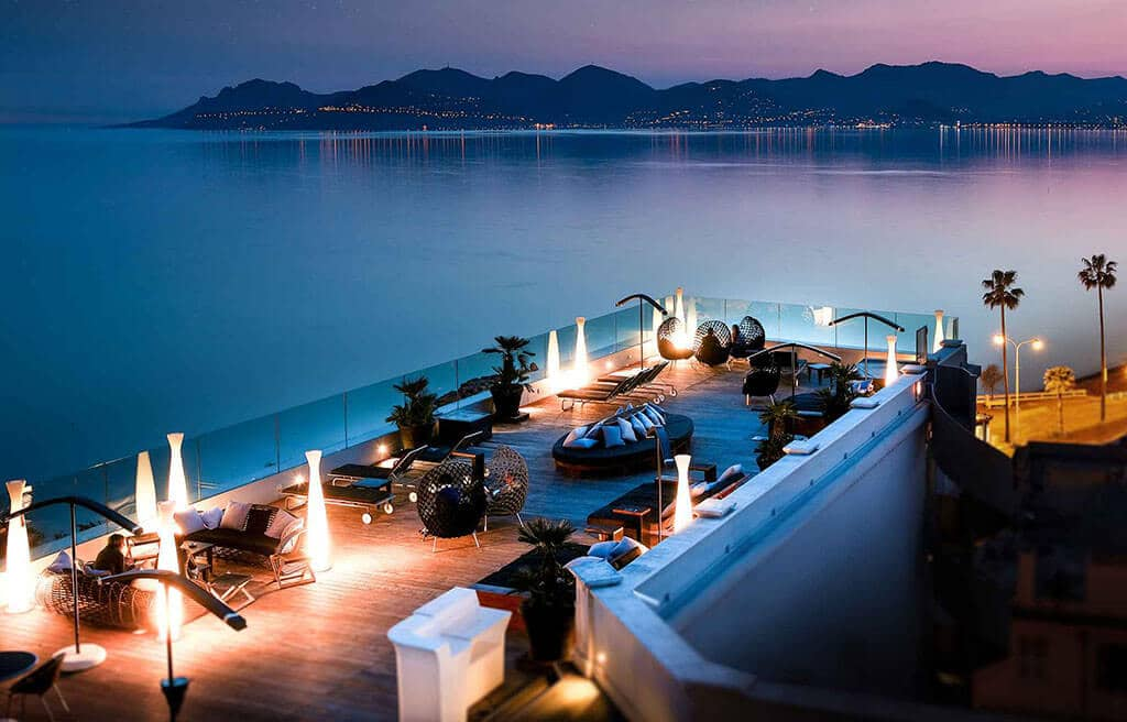 rooftop roof terrace cannes sea view feet in the water